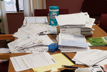 mail-spread-out-on-desk-350px.jpg